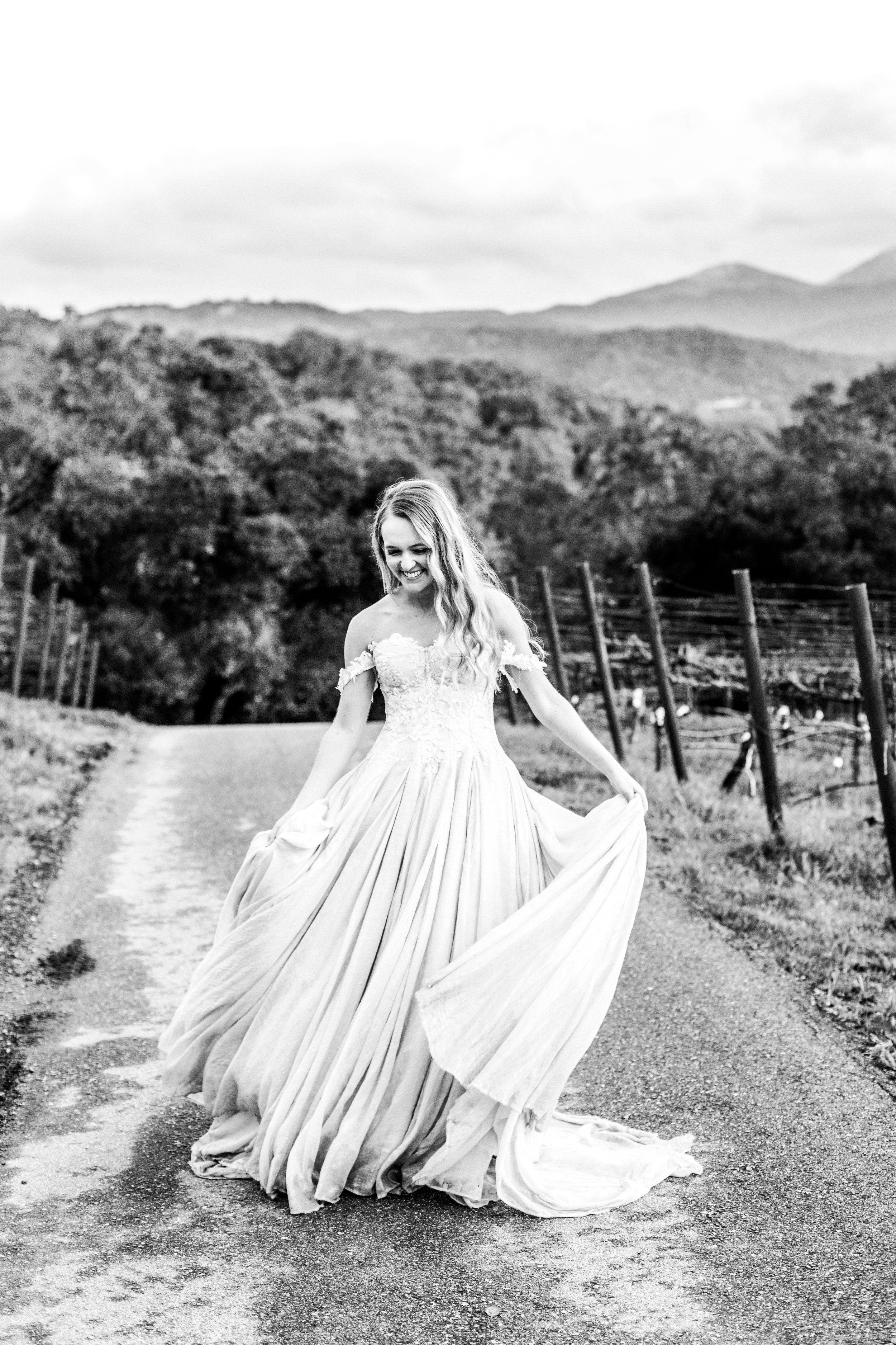 LaceyMichellePhotography_B_T_2019_BridalPortraits-232.jpg