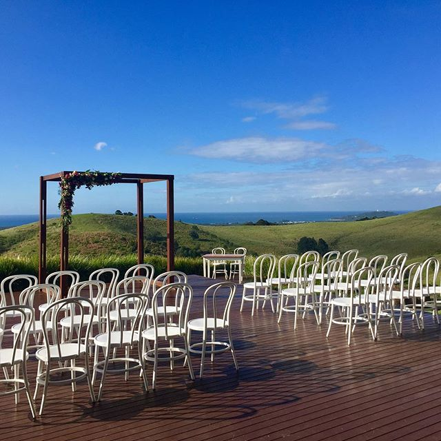 The scene was set and the sun was shining for Emily and Ken's gorgeous wedding at @horizonbyronbay yesterday.. such a beautiful day for such a beautiful couple! #byronbayweddings #byronmusic #stringmusic #weddingmusic #byronbay #byronbaywedding @beachbyronbay @horizonbyronbay @byronbayweddings @theweddingshed @northcoastevents @byronaudio @alstonvillefloristweddings @byronhair_byron @jennifercarlsonhairandmakeup @byronbaycakeboutique @stringandbow #radioclubband #allancolyercelebrant #charterbusbyronbay