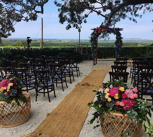 THE most dreamy setting for Courtney and Ben's wedding last weekend at @figtreerestaurant .. Maddy and Scott played chilled folk with our most popular offering of violin + guitar duo.. check out stories to hear a little snippet!  We also love collaborating with all the other amazing local vendors that helped make this wedding super special!  Venue: @figtreerestaurant Hair & Makeup: @emilykhair Celebrant: @bc_celebrant Photographer: @timcoulsonweddings Videographer: @whiteleaffilms Musician: @stringandbow  Florist: @beautiflora  Wedding Cake: @sweetobsessioncakes Catering: @figtreerestaurant Drinks: @thecellarbottleshops Lighting: @byronaudio Guest Transport: @magicbusdoubledeckers Bridal Transport: @byronbaykombis  Furniture & Styling: @theweddingshed Coordination: @byronbayweddings