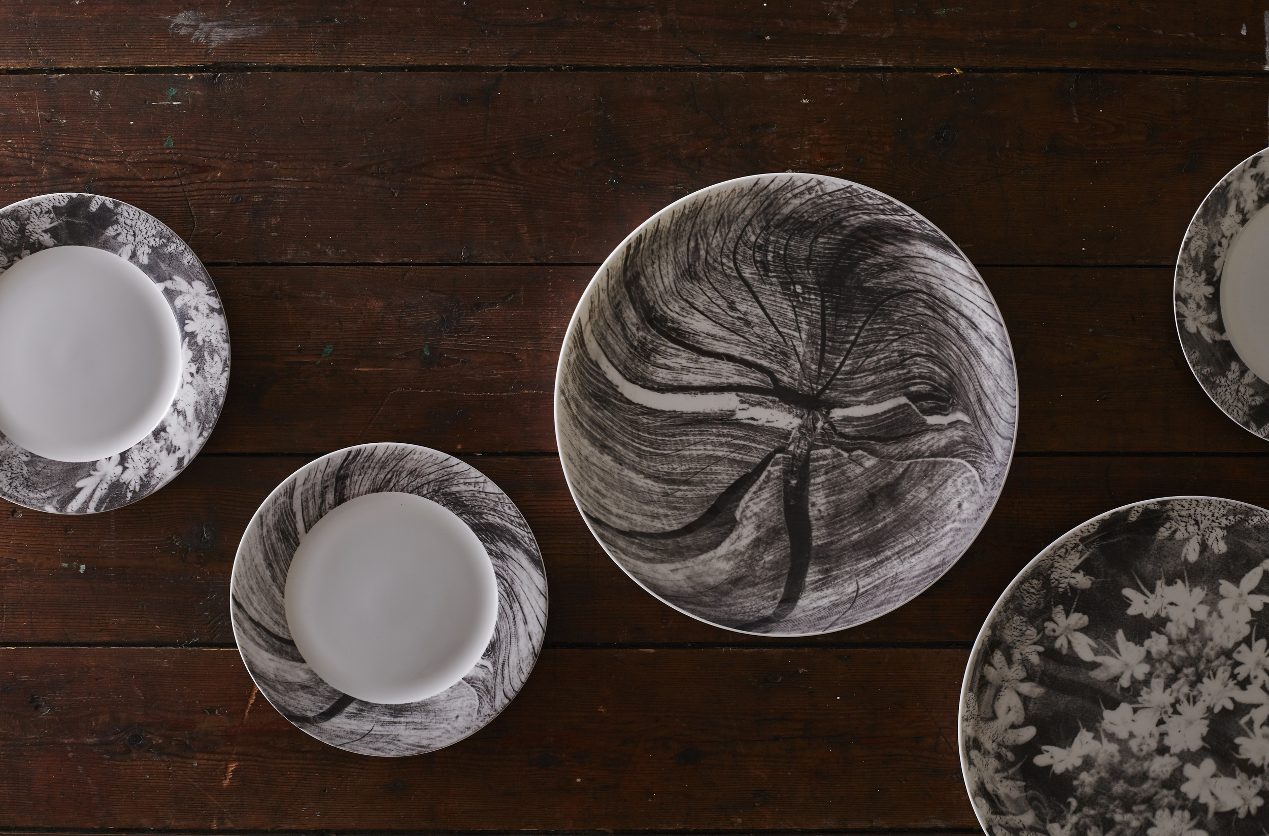 Woodcut and Wood Anemone Dinner and Side plates