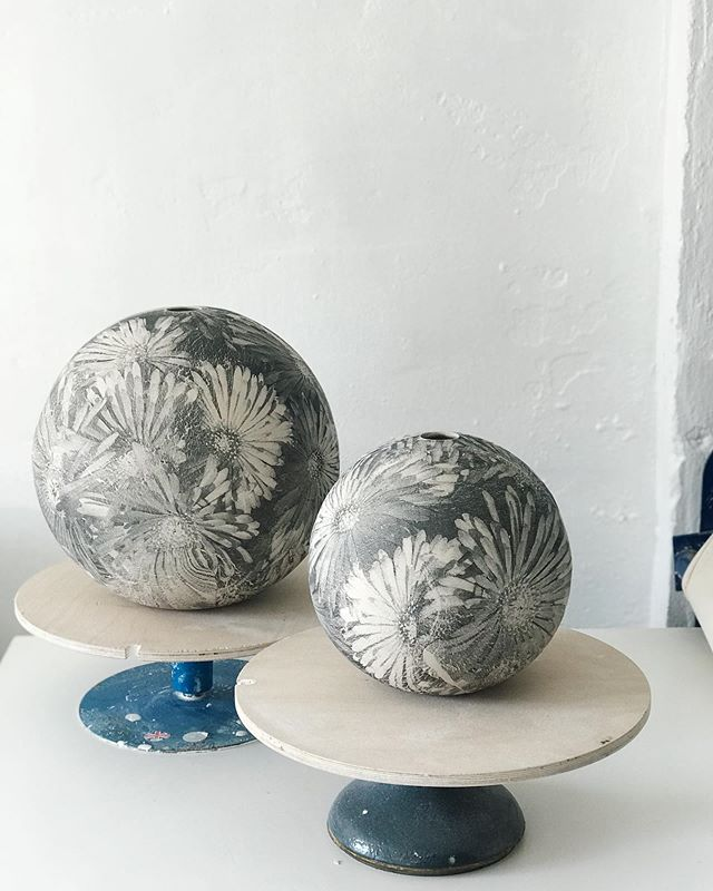 Flat slabs to moon jars - yesterday's printed slabs out of the moulds and ready for the long dry... #clay #ceramics #screenprinting #contemporarycraft #wip #moonjar #outsideinside #botanical #ceramicart #handbuilding #porcelain #printonclay #vessel #maker #monochrome #ceramicshandmade #flowers