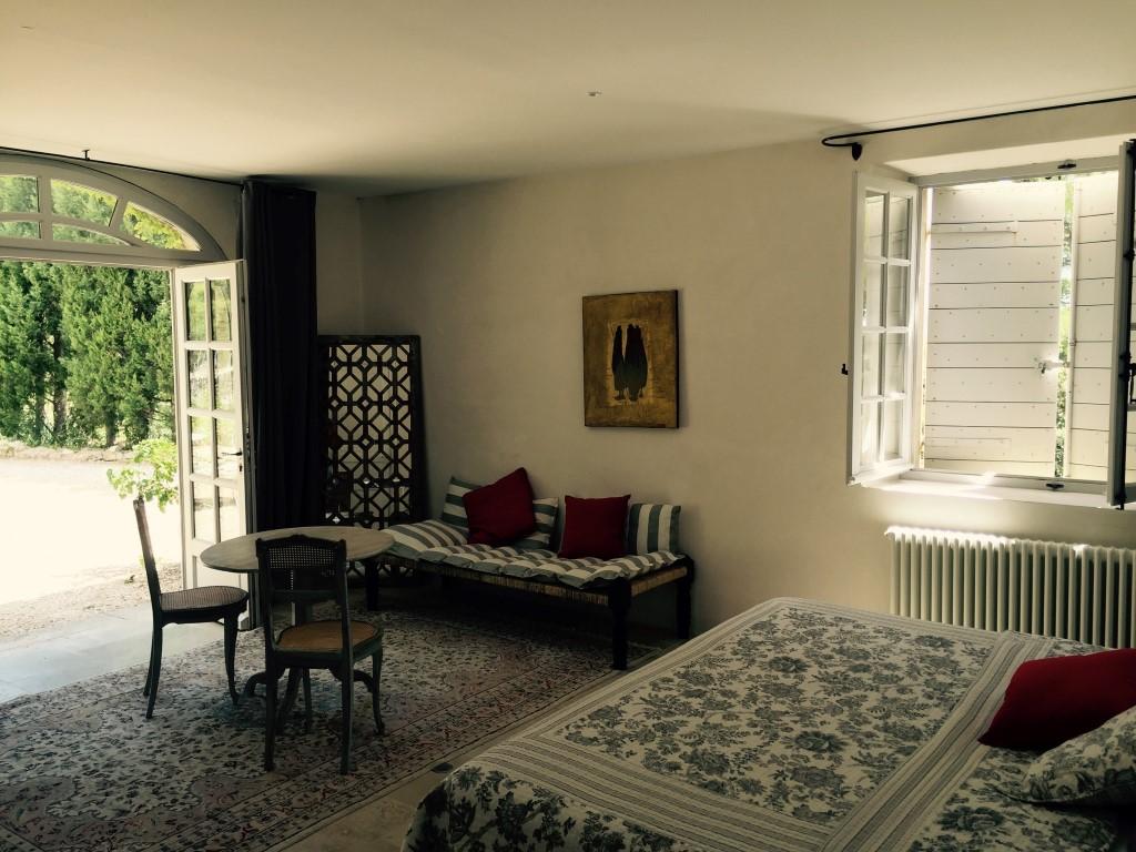 chambres d hotes champaga chambre de la fontaine grand lit.jpg
