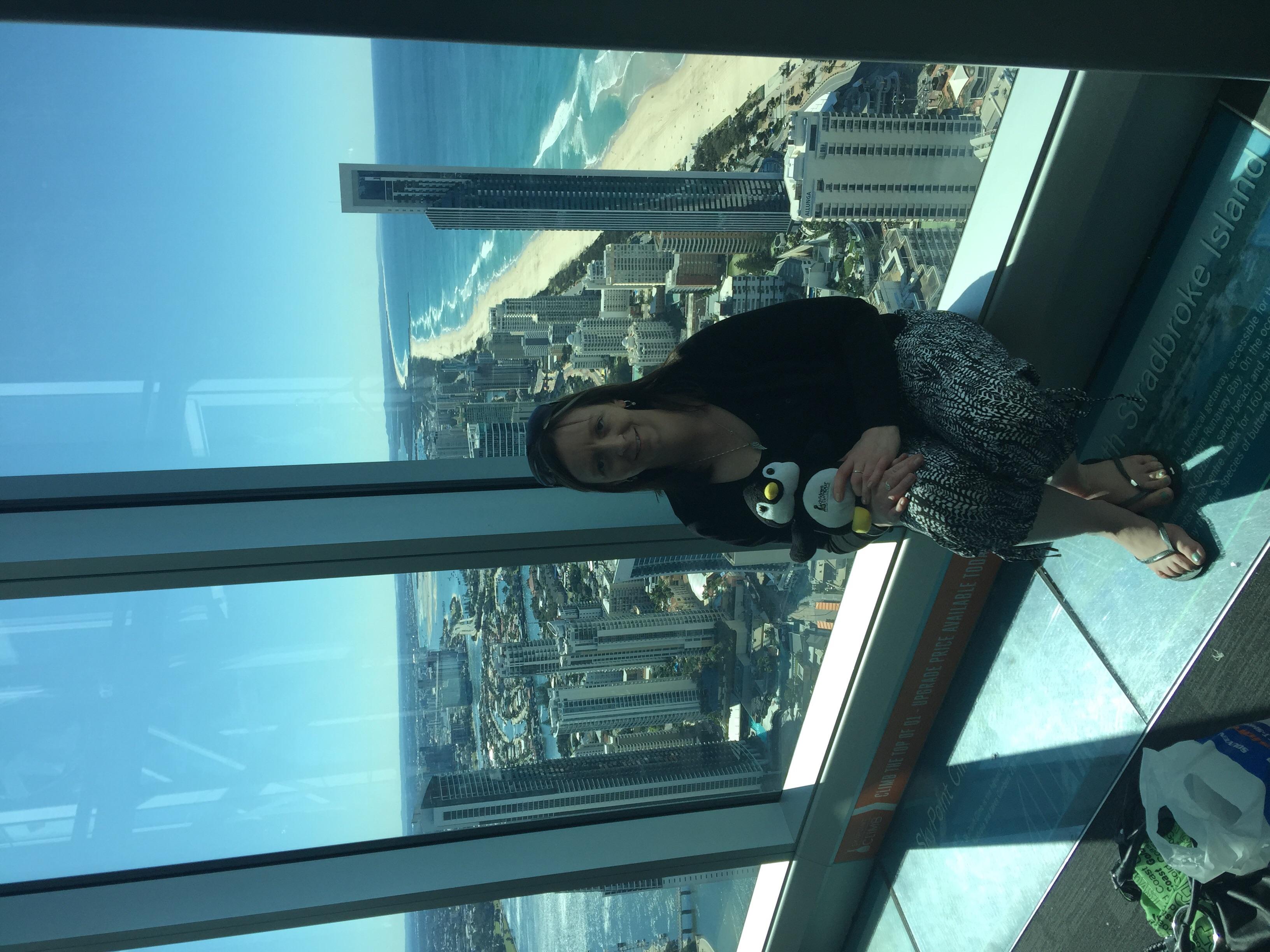 Skypoint-Surfers Paradise-77th floor-amazing views.