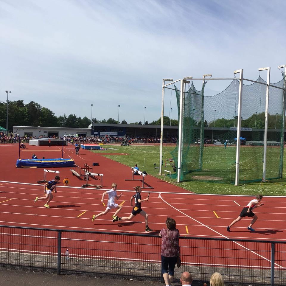 Junior B relay action.jpg