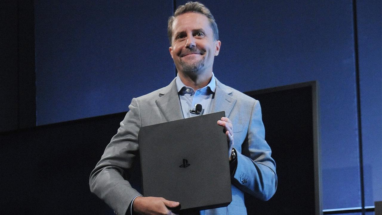 지난 7일(현지 시각) 발표된 PS4 프로를 선보이고 있는 앤드류 하우스 SIE CEO.