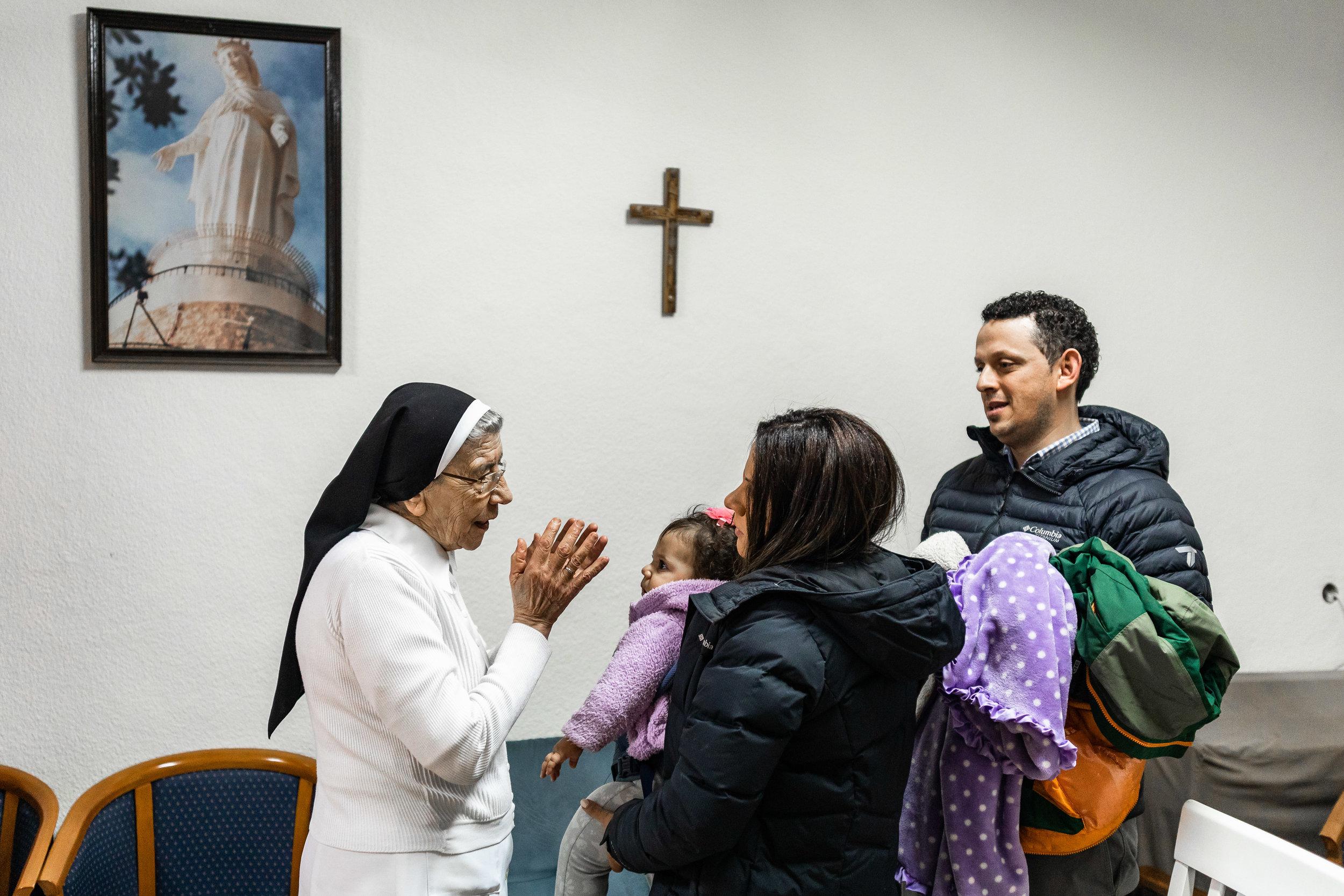 Momenti - Inside Jerusalems Churches — Sebi Berens