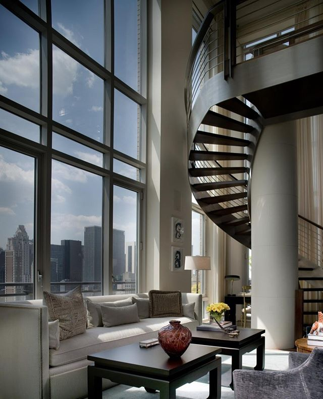 I love how this design by Alexia leuschen @Kondylisdesign plays with the scale of this iconic #newyork penthouse. ⠀ . ⠀ .⠀ .⠀ .⠀ #interiordesign #design #homedecor #designer #home #architecture #interior #decor #art #homedesign #house #style #homesweethome #luxurylifestyle #antiques #collection #handmade #instagood #interiordecoration #instahome #interiordesigner #love #instagood #photography #follow #art #beautiful #happy #bradsteinphoto⠀