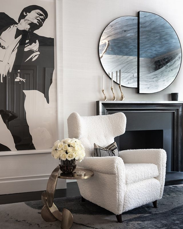 Highlights from the #kipsbayshowhouse19 ⠀ ⠀ In @jcohlermasondesign sitting room, an eglomise mirror hangs over a fireplace facing a trio of Ghirò Studio tables and a Todd Merrill Studio channel-tufted Racetrack sofa. A work by Robert Longo hangs to the left of a Griffin mantel from Chesneys.⠀ ⠀ @KBShowhouse  #KipsBayShowhouse19 photo by @bradsteinphoto⠀ . ⠀ ⠀ .⠀ .⠀ .⠀ #interiordesign #design #homedecor #designer #home #architecture #interior #decor #art #homedesign #house #style #homesweethome #antiques #handmade #instagood #interiordecoration #instahome #interiordesigner #love #instagood #photography #follow #art #beautiful #happy #bradsteinphoto⠀