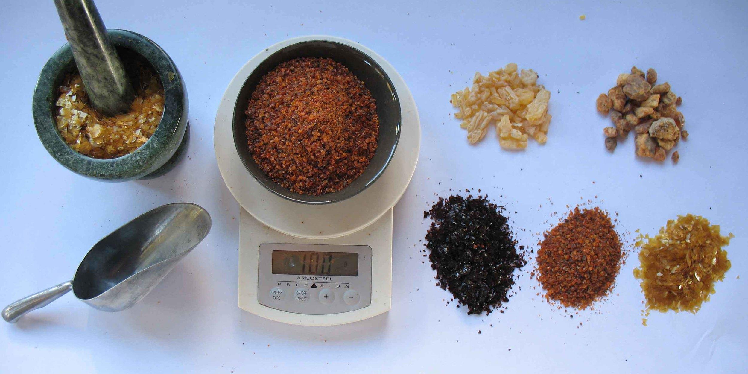 (right, clockwise) sandarac, copal, blonde shellac, seedlac, garnet lac