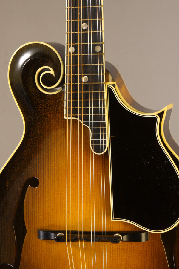 Photo courtesy  Gruhn Guitars