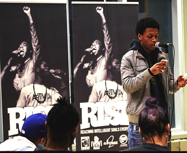 """""""Once studied the stars and astronomy, now we live in poverty, prophecies of Deuteronomy, shipped across lands due to a new economy."""" @high.hevinz.  Much respect to  @rise_edt for putting on such a talented showcase every Monday evening. Check em' out! 👊👊 • • • • • #rise_edt #toronto #openmic #scarborough #poetry #arts #music #livemusic"""