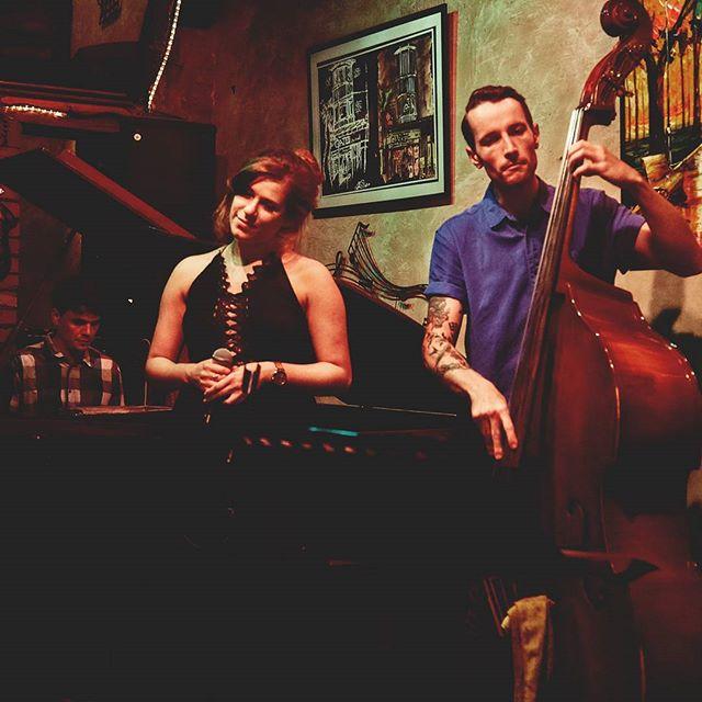 Talkin' all that jazz.  W/ @kalyaramu • • • • • #Toronto  #concertphotography #newmusic #indiemusic #livemusic #music #new #jazz