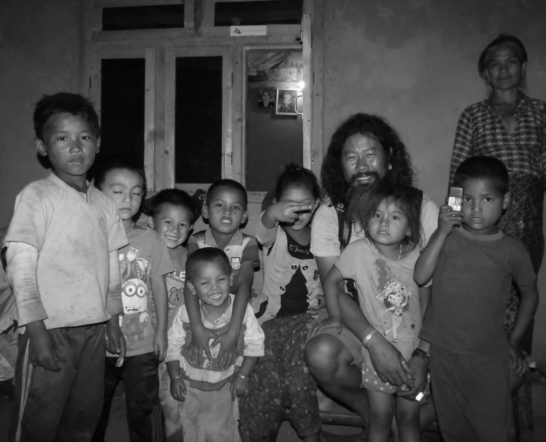 Volunteer Birbal, Host Family & Co.JPG