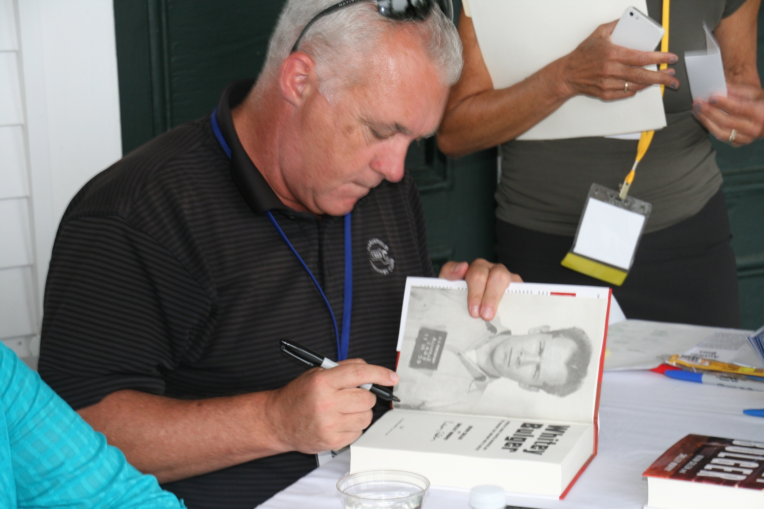 Kevin Cullen signing.jpg
