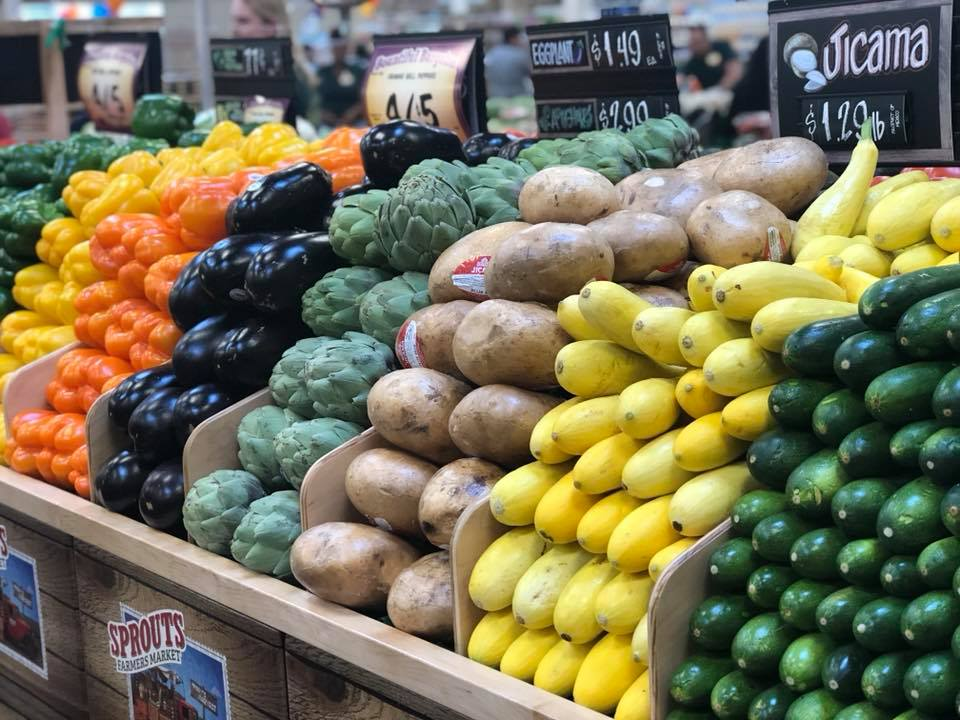 Oh, just hanging in my happy place: the Produce Department. Isn't it so beautiful and organized? :)