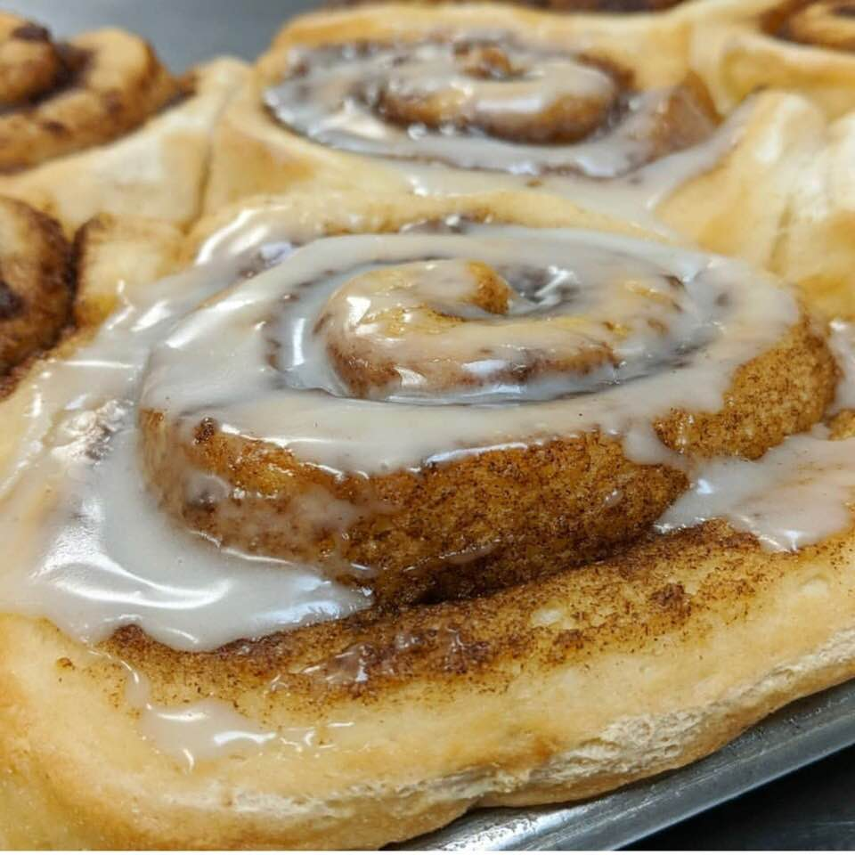 Actual footage of my weekend: this vegan cinnamon roll from The Dotted Lime. Image source: The Dotted Lime.