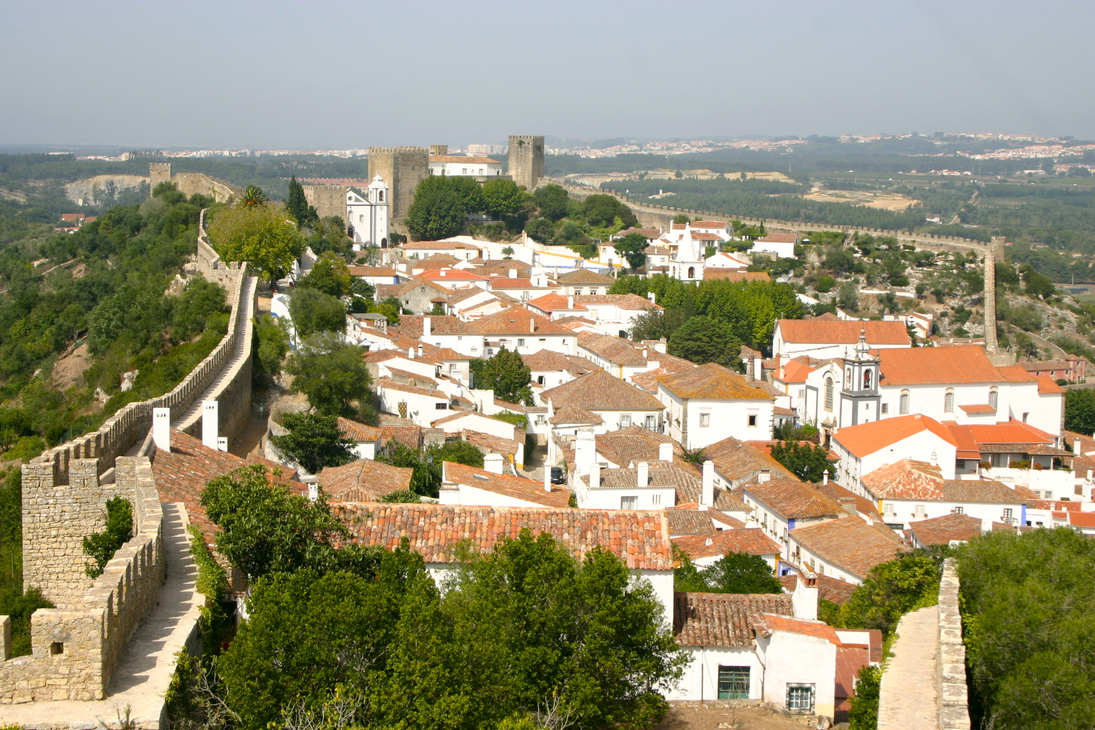 Walled city of Obidos... amazing - Central portugal.JPG