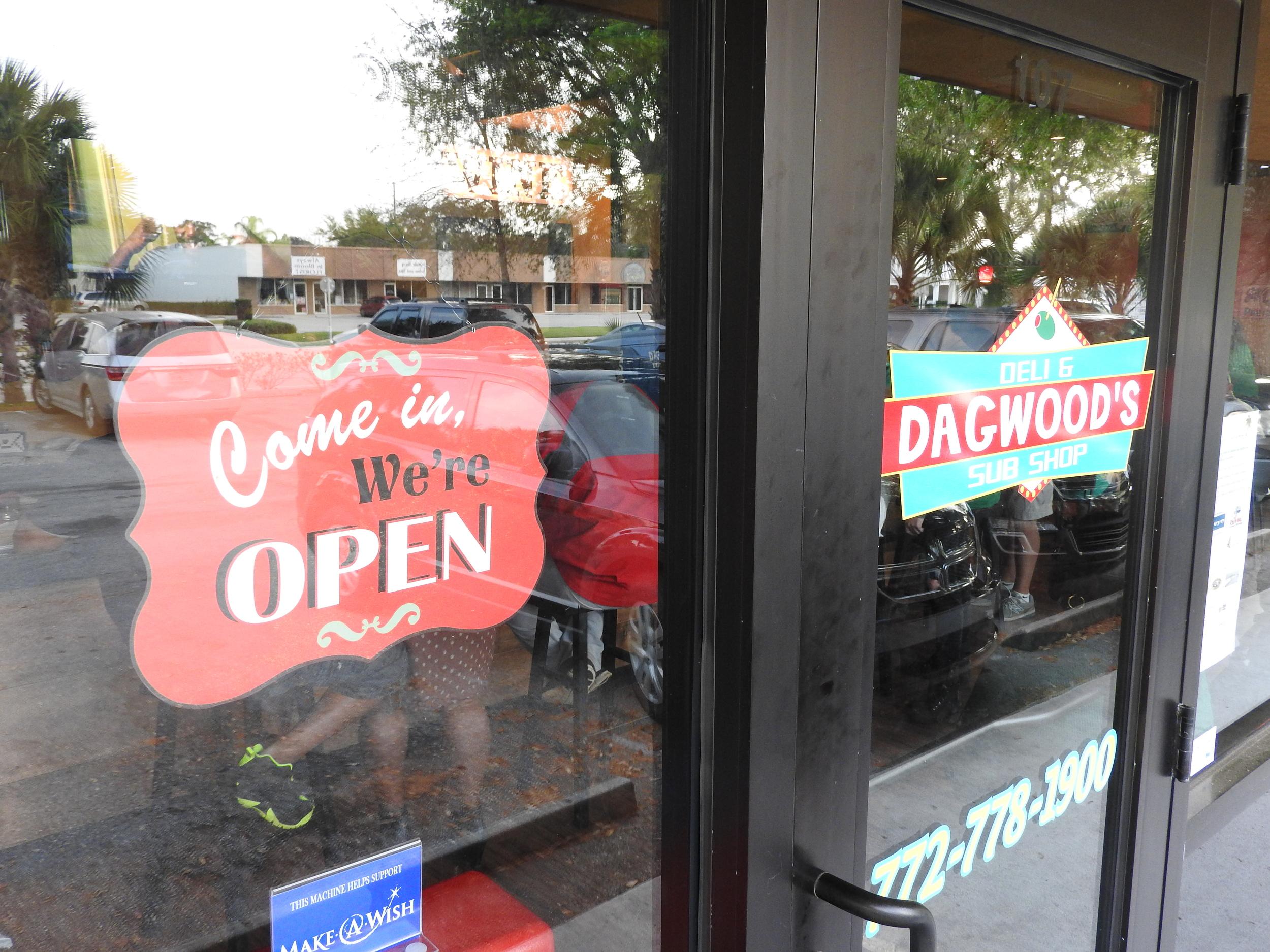 Dagwoods Signs.JPG