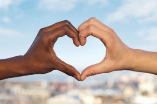rasism-heart