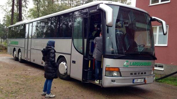 En av de många bussar asylsökare vägrat stiga av