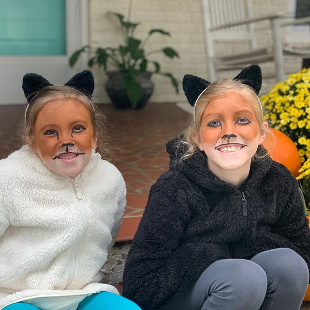 Two foxes ready for the Fall Festival @canesfan2nv