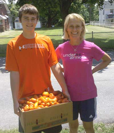 The Richards family of Lewisberry, PA donated a BIG box of beautiful Italian-style plum tomatoes.