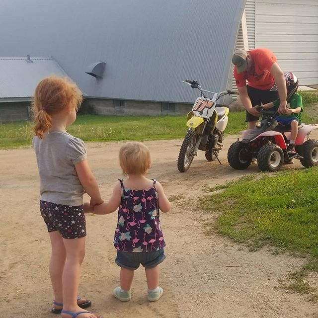 Top notch weekend. #familytime #whatgetsyououtdoors #farmlife #countrylife #countrykids