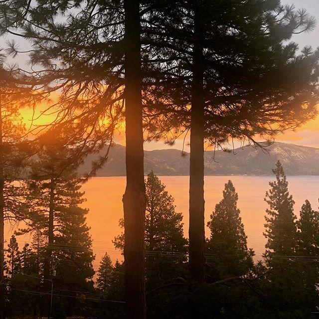 They call this moment in Lake Tahoe the rose hour. I call it heaven. #sunset #laketahoe #beauty #heavenonearth