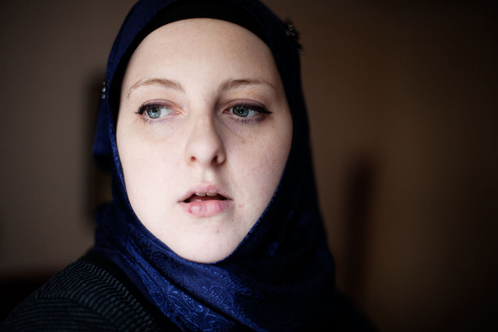 Amy is born and raised in a small cornish village. The furthest she ever travelled was to visit her brother in London. Through a online forum she learned about islam and decided to become a muslim. She met a young Egyptian man online and got engaged to him. Without telling her parents she travelled to Egypt where she married him. They now live in Cornwall.