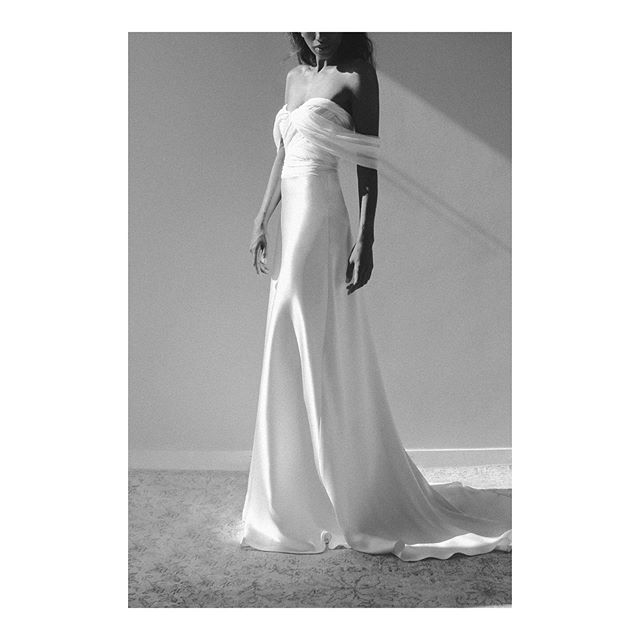 Draped silk chiffon meets fluid silk satin ~ #adornmentbride