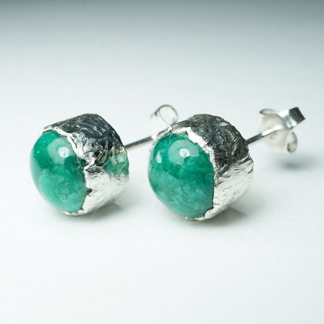 #emeralds #studulike #earporn #biggems #earrings #instajewellery #feminineflair