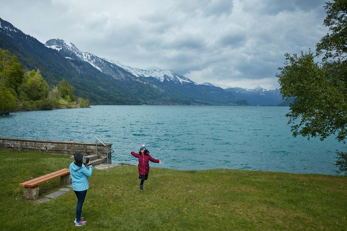 Kids enjoying the weather and beauty around Lake Brienz