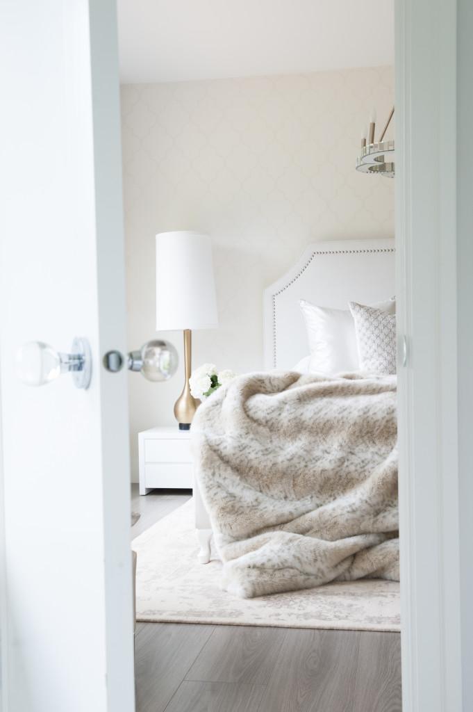 neutral-bedroom.jpeg