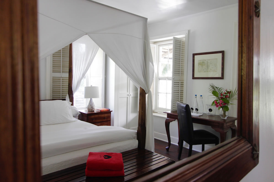 How To Get The Bahamian Relaxed Luxury Look found at The Landing