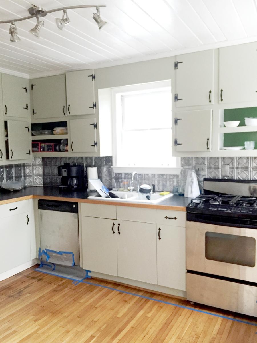 kitchenbeforerenovation.jpg