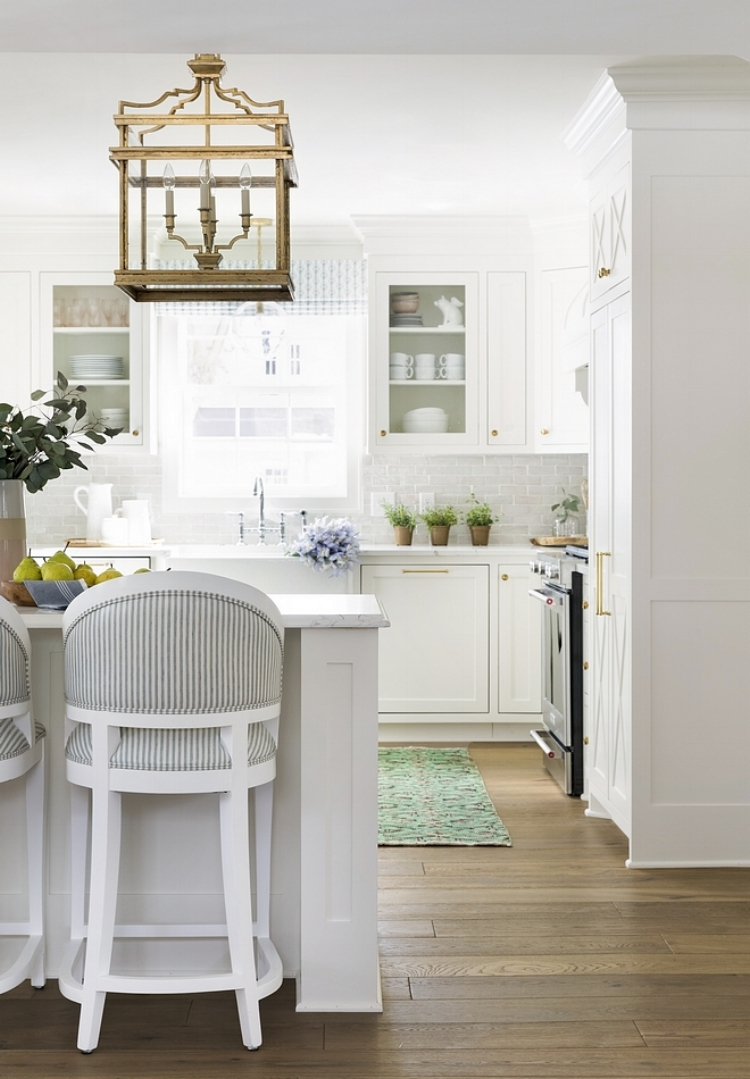 design:  Bria Hammel Interiors  via:  HomeBunch