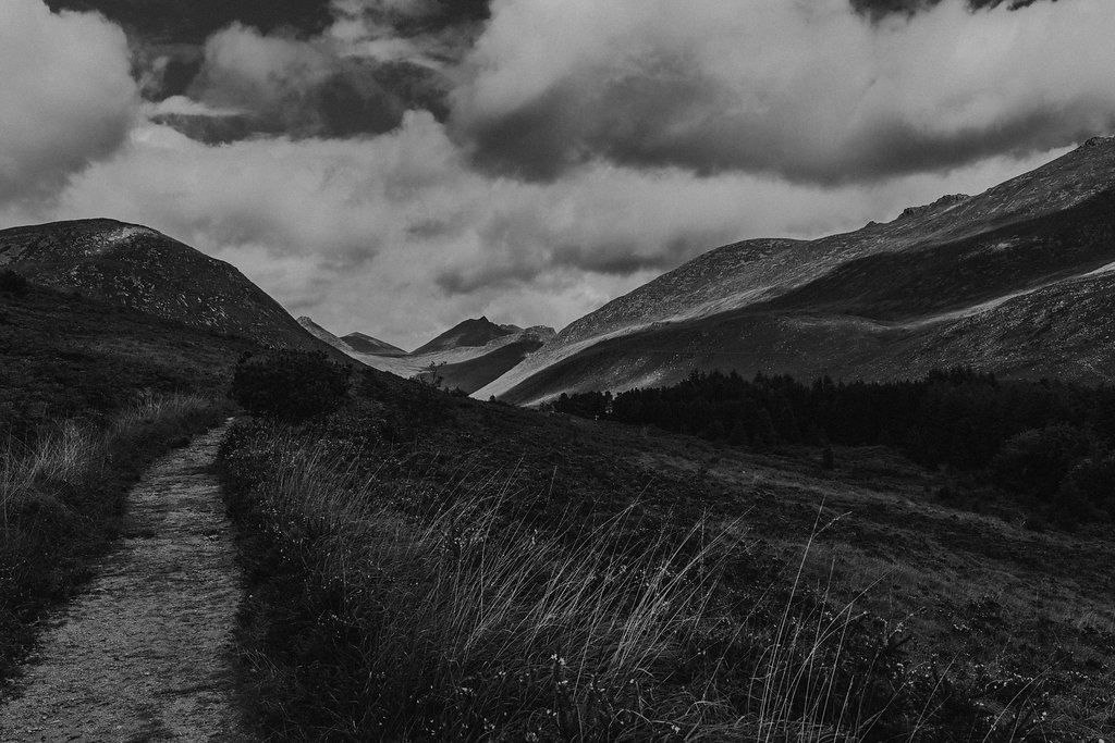 the mourne mountains in nothern ireland in black and white