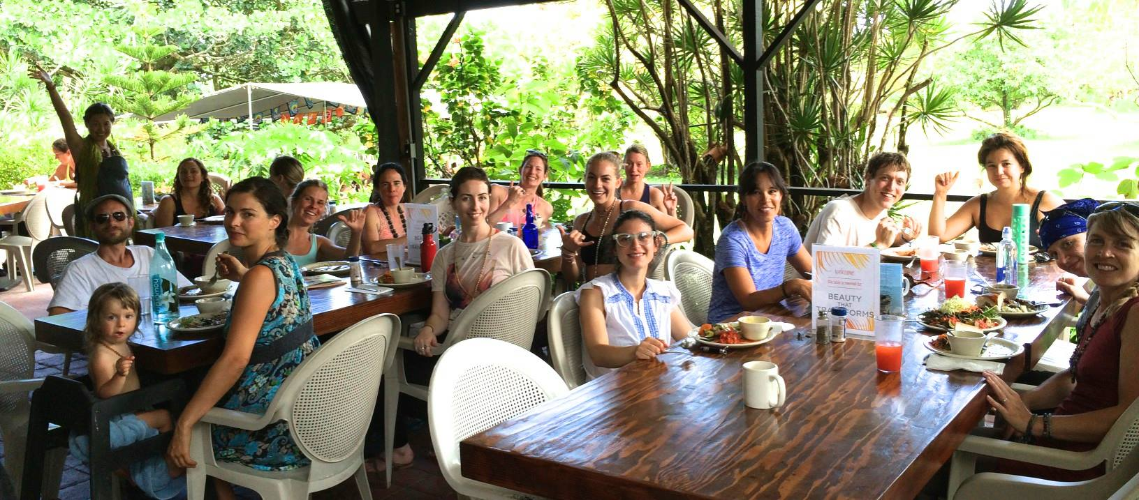 Participants from the 2015 retreat duringlunch