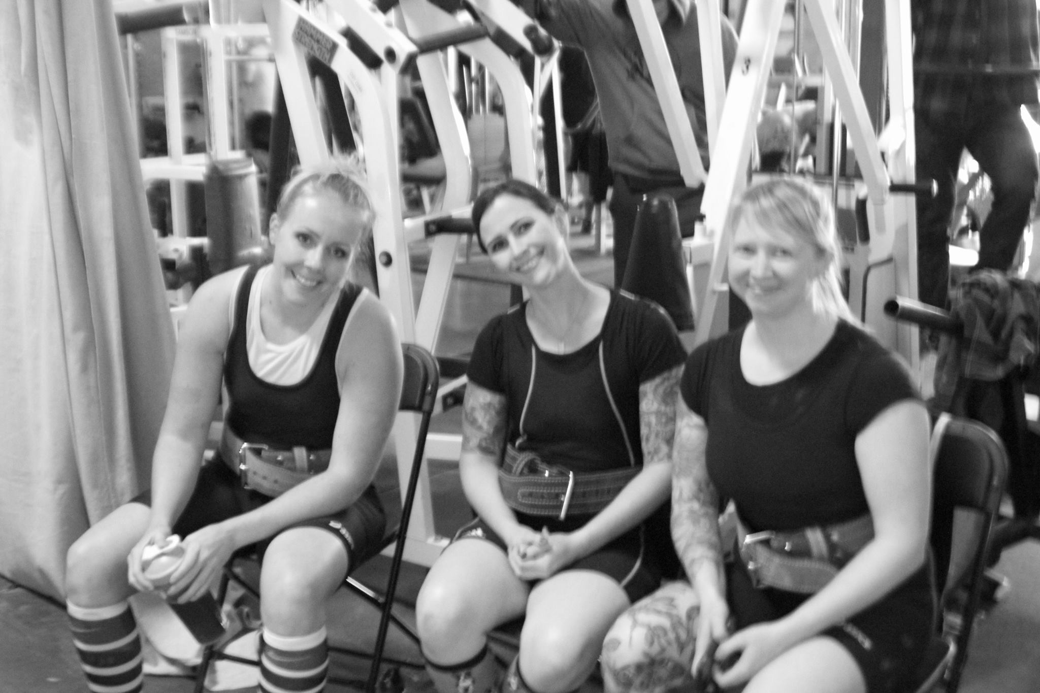 APA Fall Classic Girls Who Powerlift