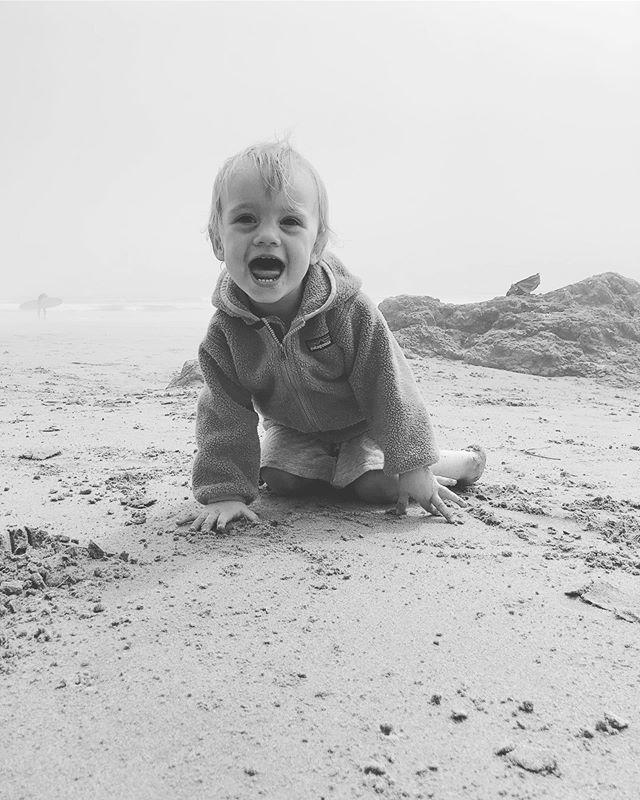 beachin' bebes ☀️ #adventuresofellaandizzy