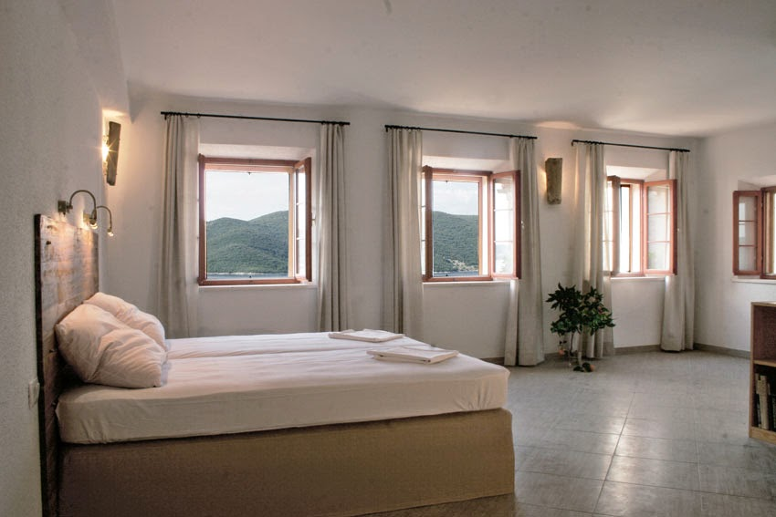 Yoga-and-Pilates-Retreat-in-Croatia-stonehouse_interior_windowview.jpg