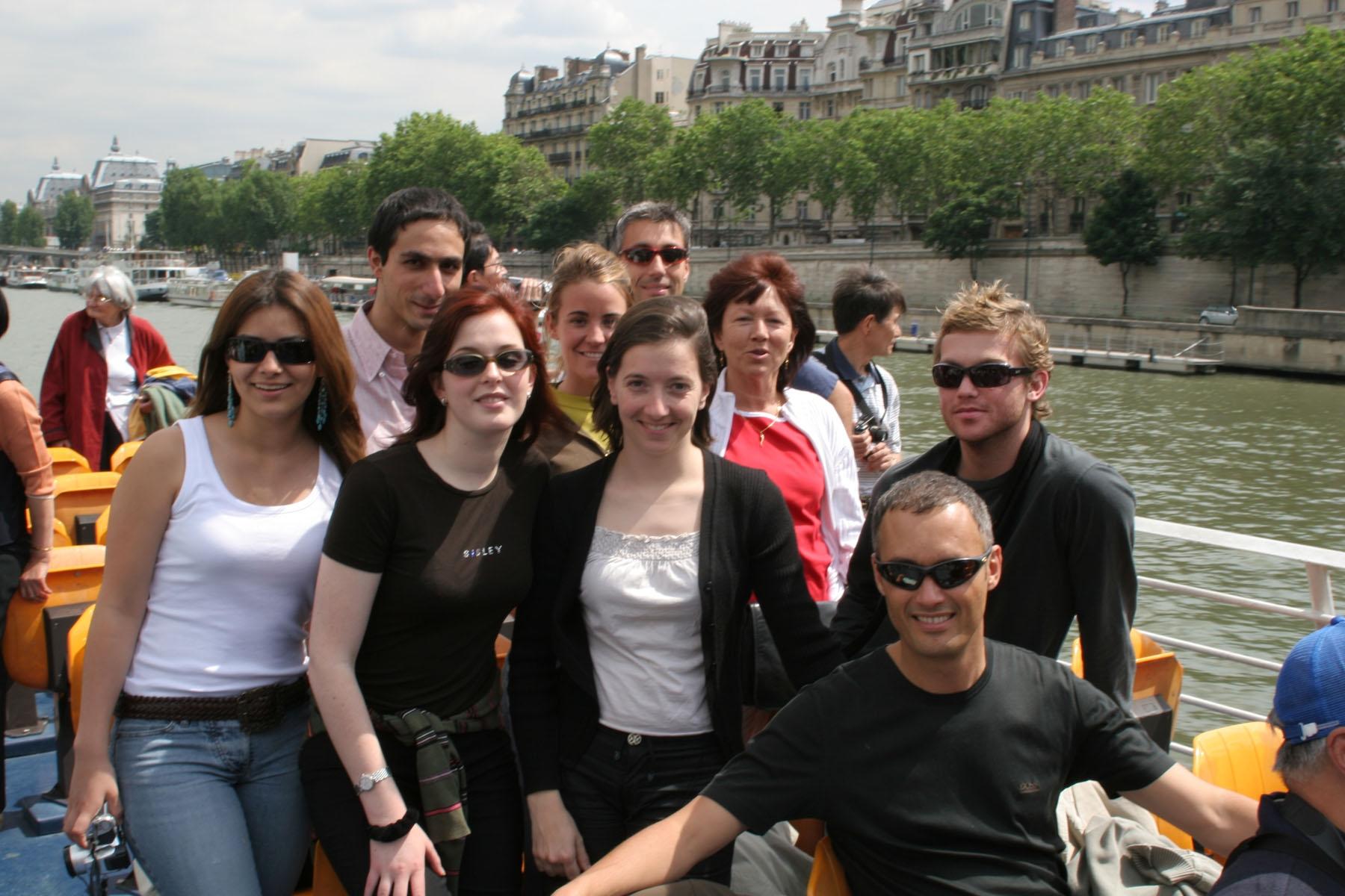 Groupe-en-Bateau.jpg
