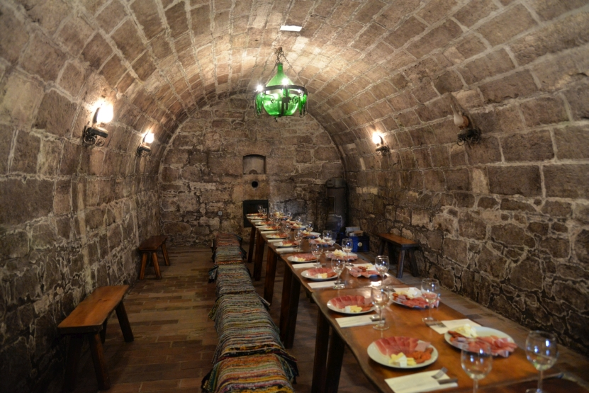 Inclusions: - 4 nights 4* accommodation6 wine tastings & 5 cellar visits21 gear touring bike & guide3 dinners & 4 lunches