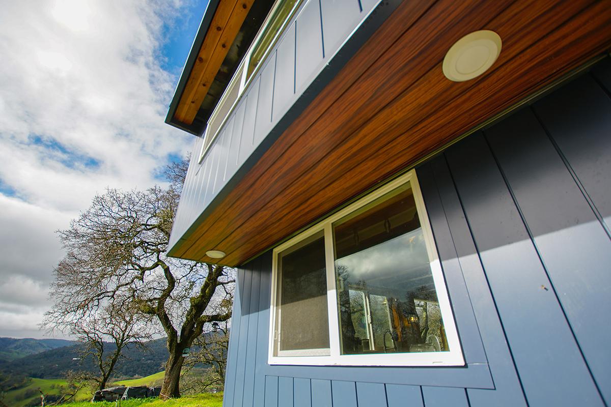 Tiny home exterior featuring Knotwood powder coated aluminum siding.