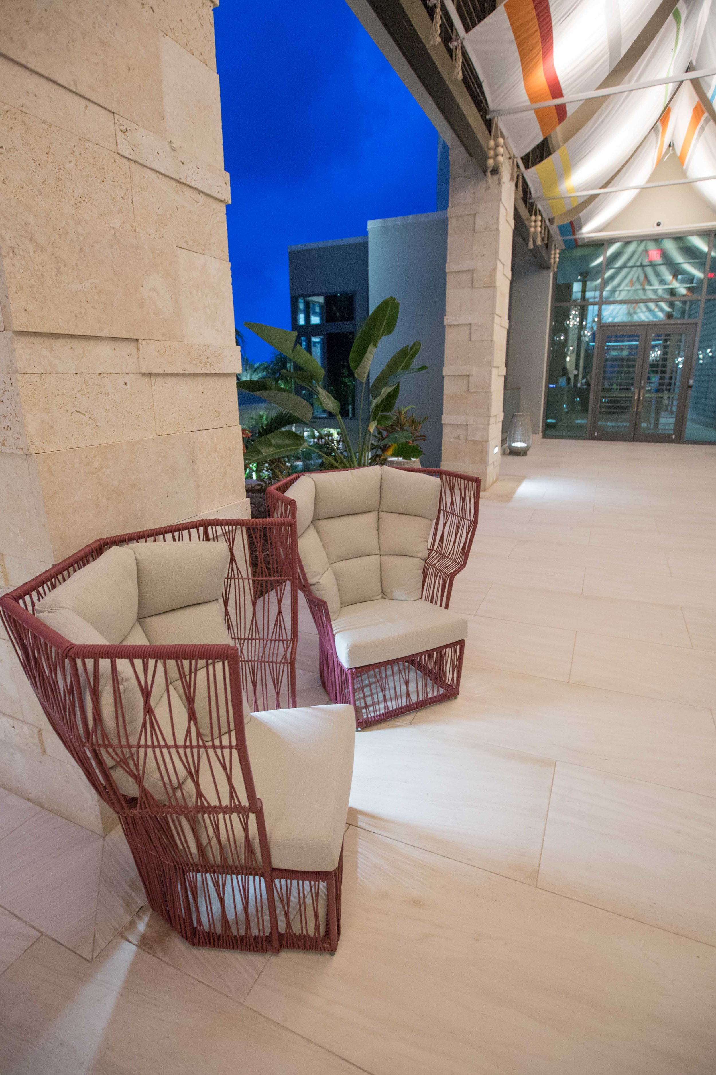 kimpton seafire seating walkway.jpg