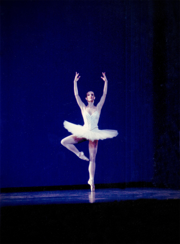 Etudes – Pirouette Section-Boston Ballet (morphed into DancingChef logo).
