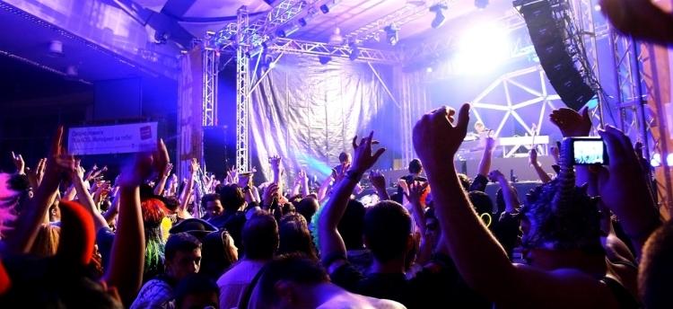 party_people_by_donjas-d3kg8n9.jpg