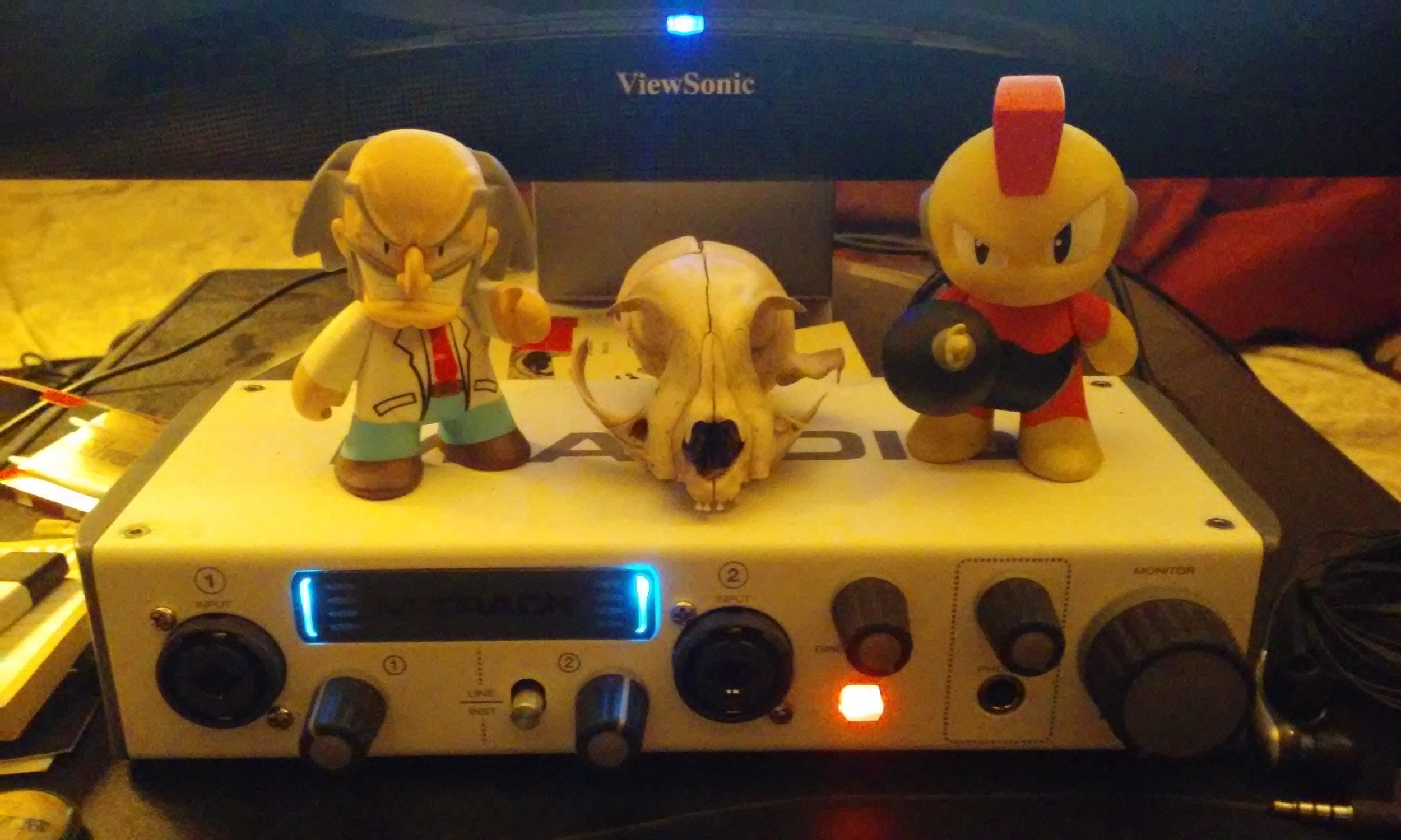 Meet Dr. Wily and Bomb-Man, Randle's new evil workstation guardians. They offered up the cat skull by way of a resume, so clearly, business is meant by both of them. Consider that in your calculations, Interweb ne'er-do-wells.