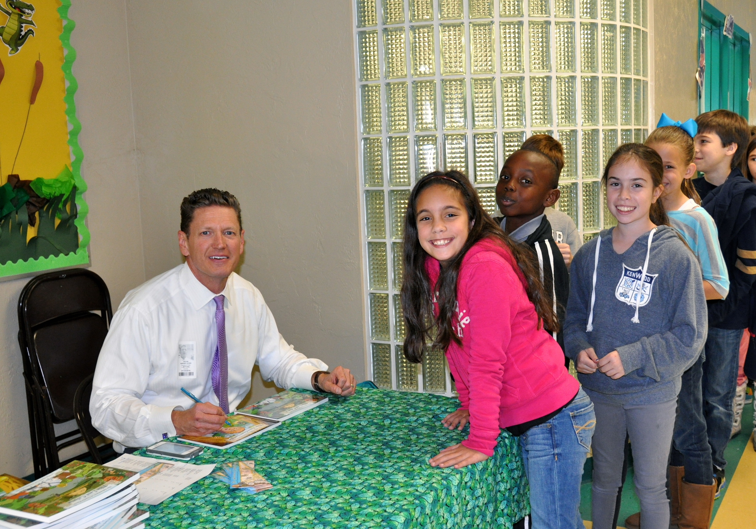 harvey-oyer-with-students-3.JPG
