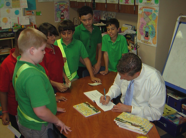 harvey-oyer-with-students-9.JPG